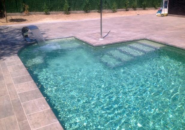 Peligros para la salud que pueden traer las piscinas y jacuzzis