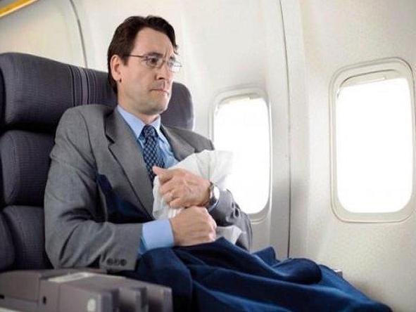 Esto le pasa a tu cuerpo cuando viajas en avión