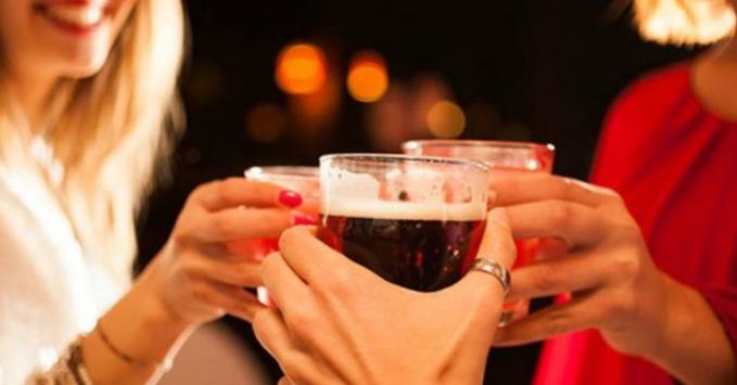 La cerveza te podría ayudar a aprender un idioma