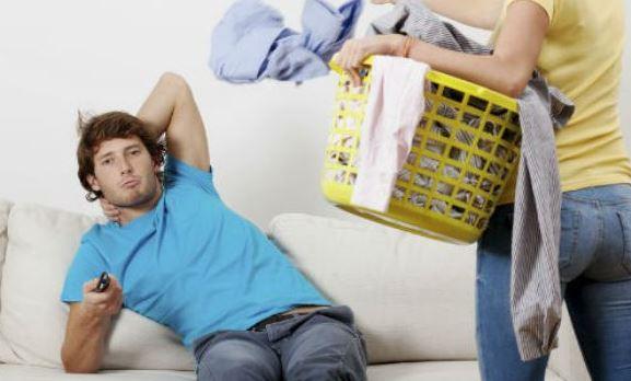 Vivir con un hombre equivale a 7 horas de trabajo extra